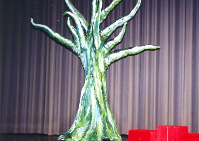 Requisite Baum für Kindertheater
